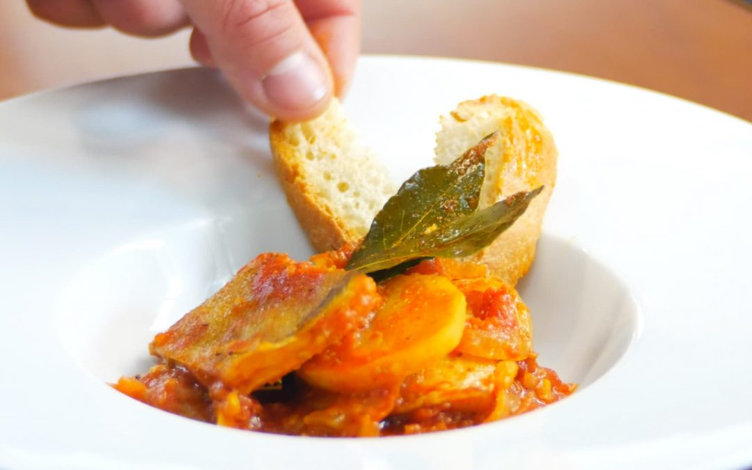 Codfish in tomato sauce